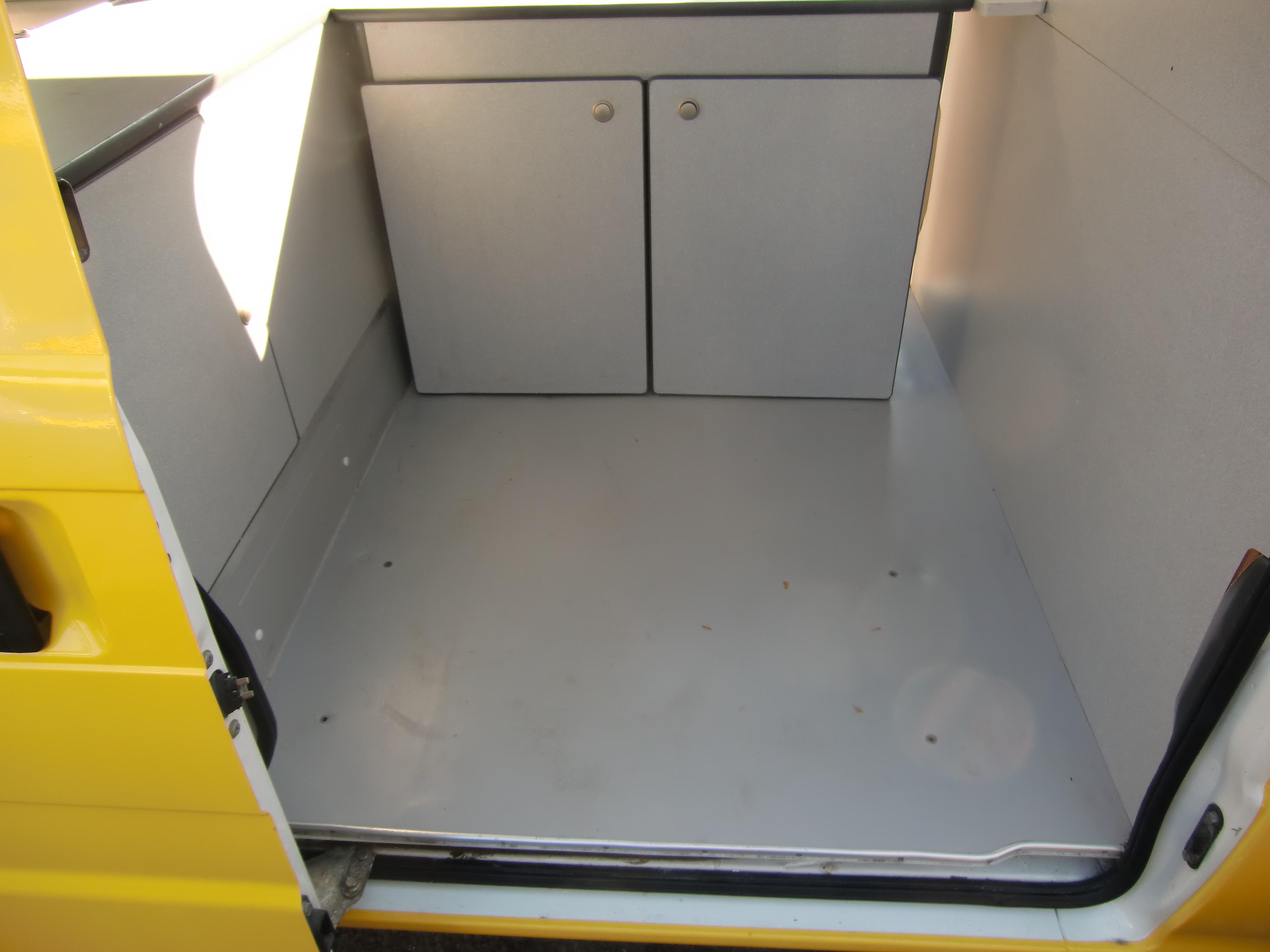 スバルサンバートラックの内装その2