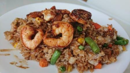 キッチンカーでアジアン料理の画像 その14