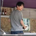 FujiBalでビール瓶を片付ける藤野駿くん