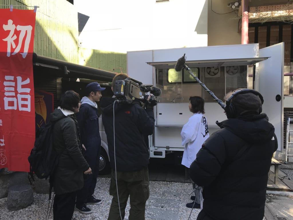 菊名神社様にキッチンカーを納車させていただいた時の様子を撮影していただきました。